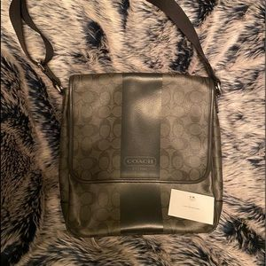 Rare Coach Heritage Signature Crossbody